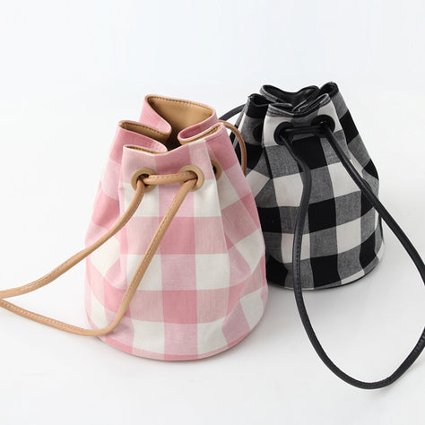 2019 new women's bag INS super fire drawstring plaid bucket bag shoulder bag wild handbag bag