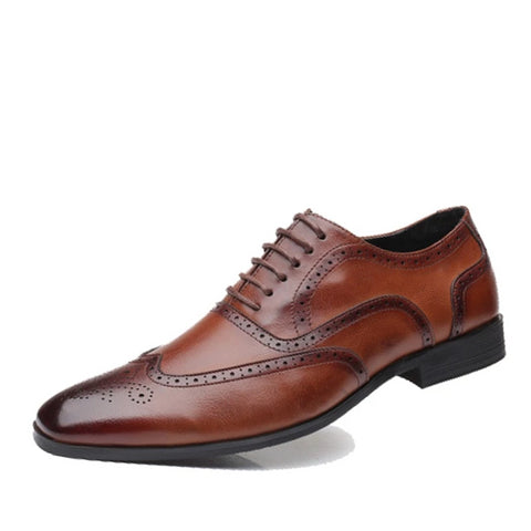 2019 Fashion Brand Men's Casual Business Dress Brogue Shoes For Wedding Party Retro Leather Black Brown Pointed Toe Oxford Shoes
