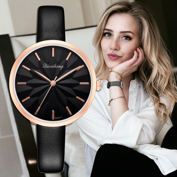 【Buy one get one free】2019 New Flowers Dial Desgin Fashion Leather Strap Bracelet Quartz Clock Luxury Women's Wristwatch Relogio