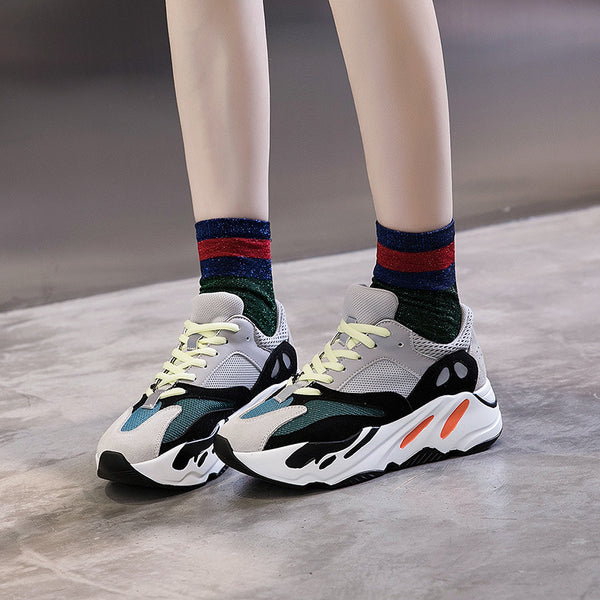 Ye women's shoes super fire thick casual old student high imitation retro national wind women's shoes.