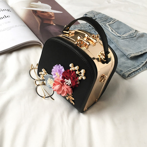 2019 Metal Clip Small Square Bag New Fashion Dinner Flower Shoulder Diagonal Handbag Bags  Shoulder Bags 822