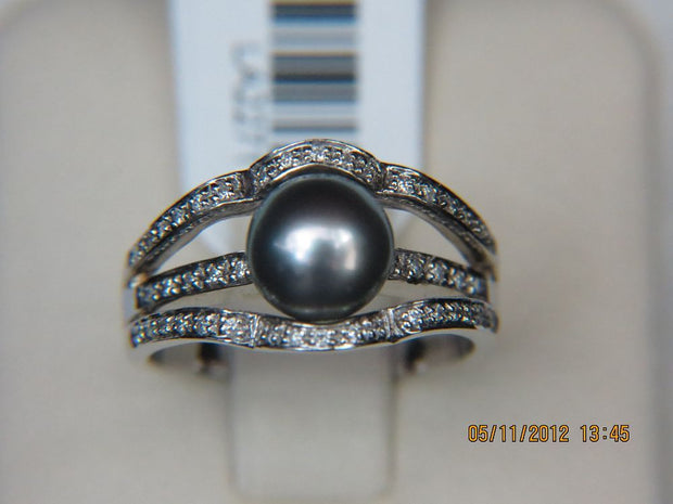 14K White Gold Tahitian Pearl Ring