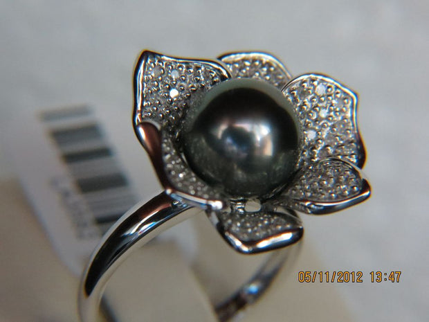 Diamond and Pearl Flower Ring