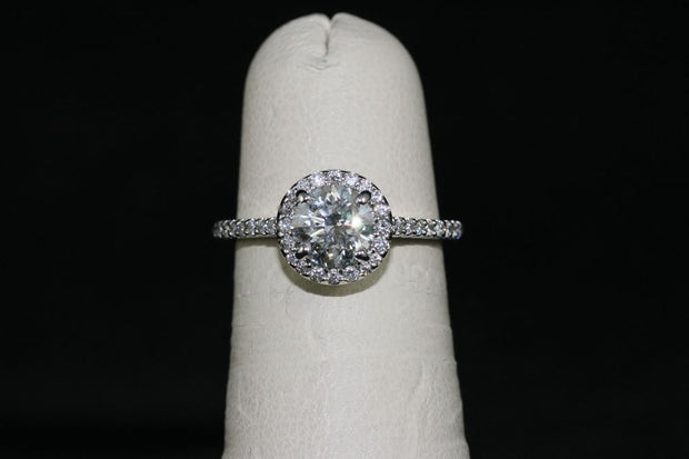 14K White Gold Diamond Center Stone Engagement Ring