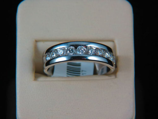 14K White Gold Men's Diamond Wedding Ring