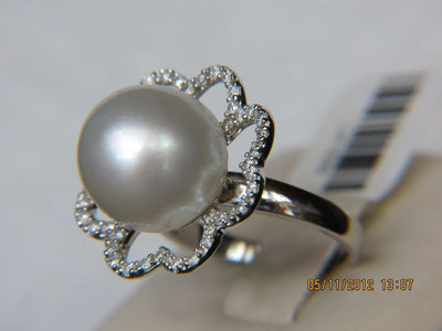 18K White Gold 10MM Pearl Ring