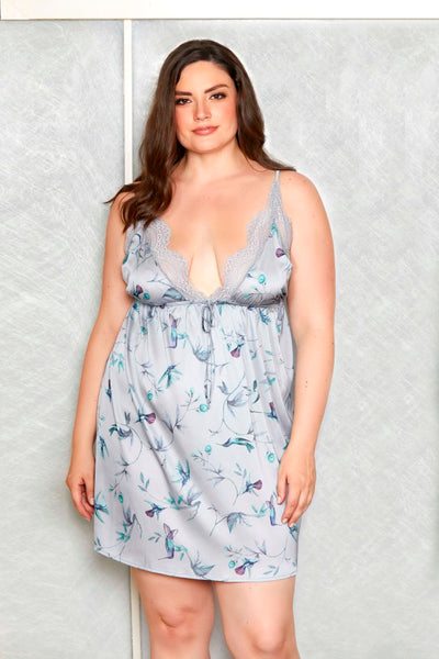 Front view of plus size woman modelling dress