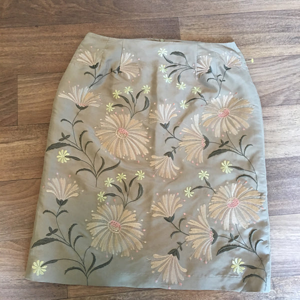 Embroidered Silk Skirt Size 6