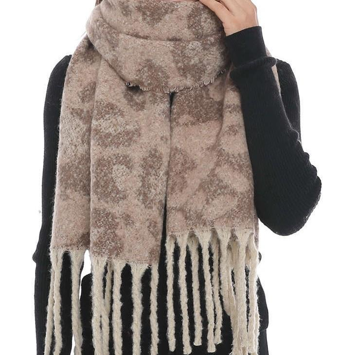 CHLOE Oversized Fall Scarf