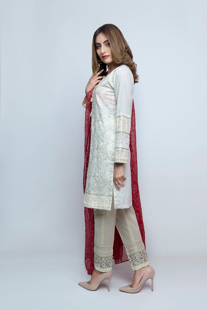 Women's Luxury Fashion Lahore, simple plain white shirt and trouser with dark pink dupatta
