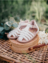 Load image into Gallery viewer, Aella Sandals - Natural