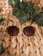 Load image into Gallery viewer, Olivia Sunglasses - Leopard