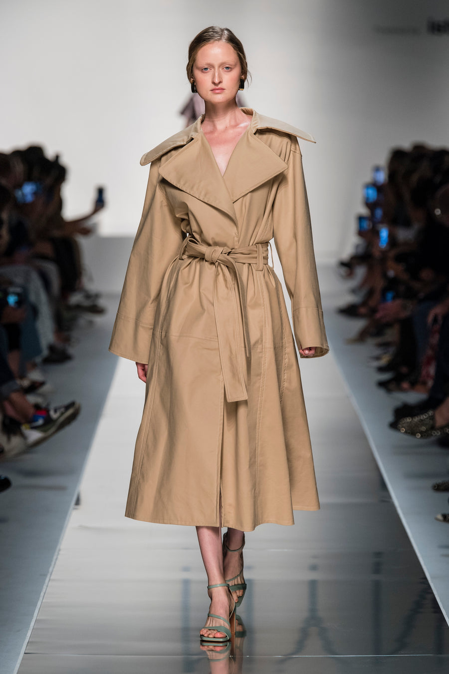 ROBYN TRENCH COAT BEIGE