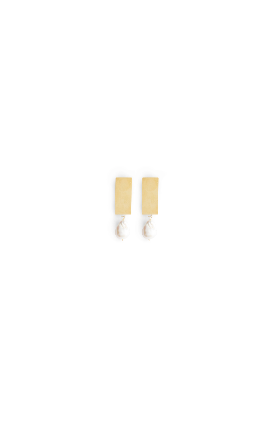 AMELIA LONG SQUARE EARRINGS WITH FRESHWATER PEARLS GOLD