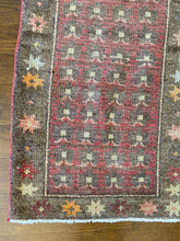 Load image into Gallery viewer, Ikra, vintage Turkish runner, 1'9 x 4'7