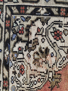Perla, vintage Turkish rug 4'5 x 8'3