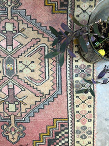 Fai, vintage Turkish rug, pink