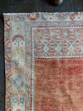 Load image into Gallery viewer, Madge, vintage Turkish prayer rug 2'10 x 5'3