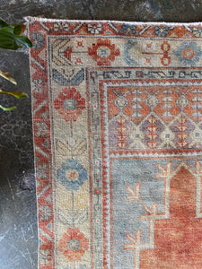 Madge, vintage Turkish prayer rug 2'10 x 5'3