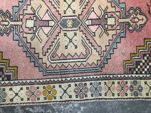 Load image into Gallery viewer, Fai, vintage Turkish rug, pink