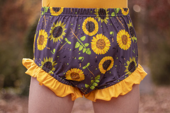 Casper in Sunflower Bloomers - Back