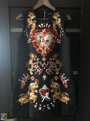 Exclusivo Vestido bordado a mano de la Virgen Maria.