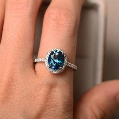 Exquisite Sterling Silver Wedding Engagement Ring