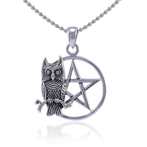 Sitting Owl with The Star Pendant TP3320