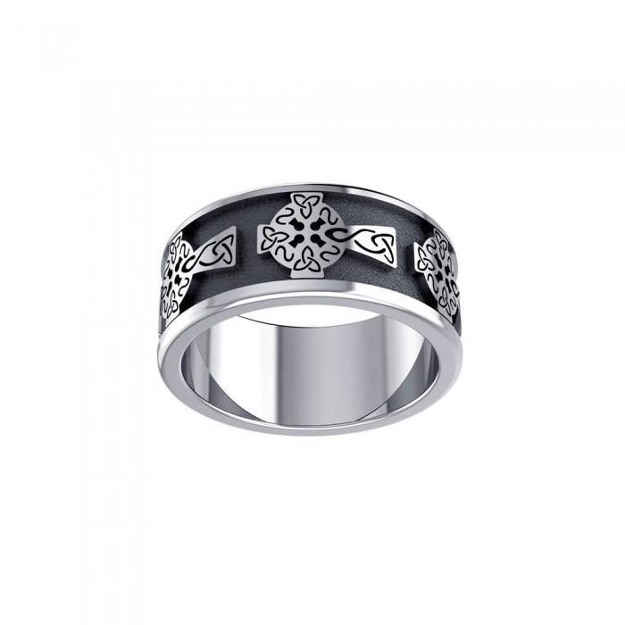 Celtic Cross with Celtic Knotwork Silver Ring TR957