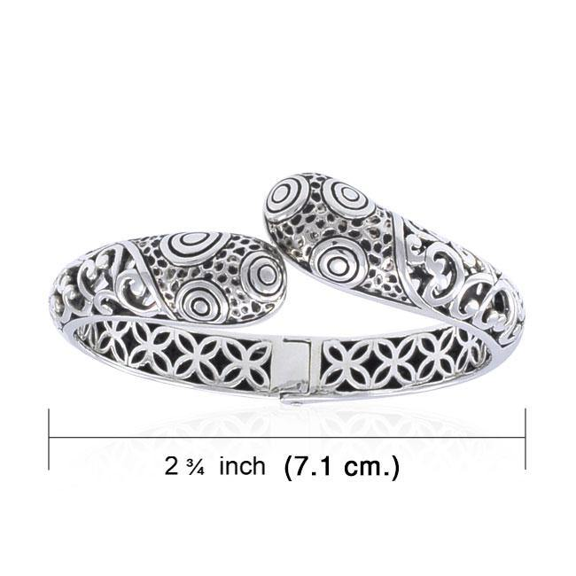 Elegant Fantastic Design Sterling Silver Bangle TBA131