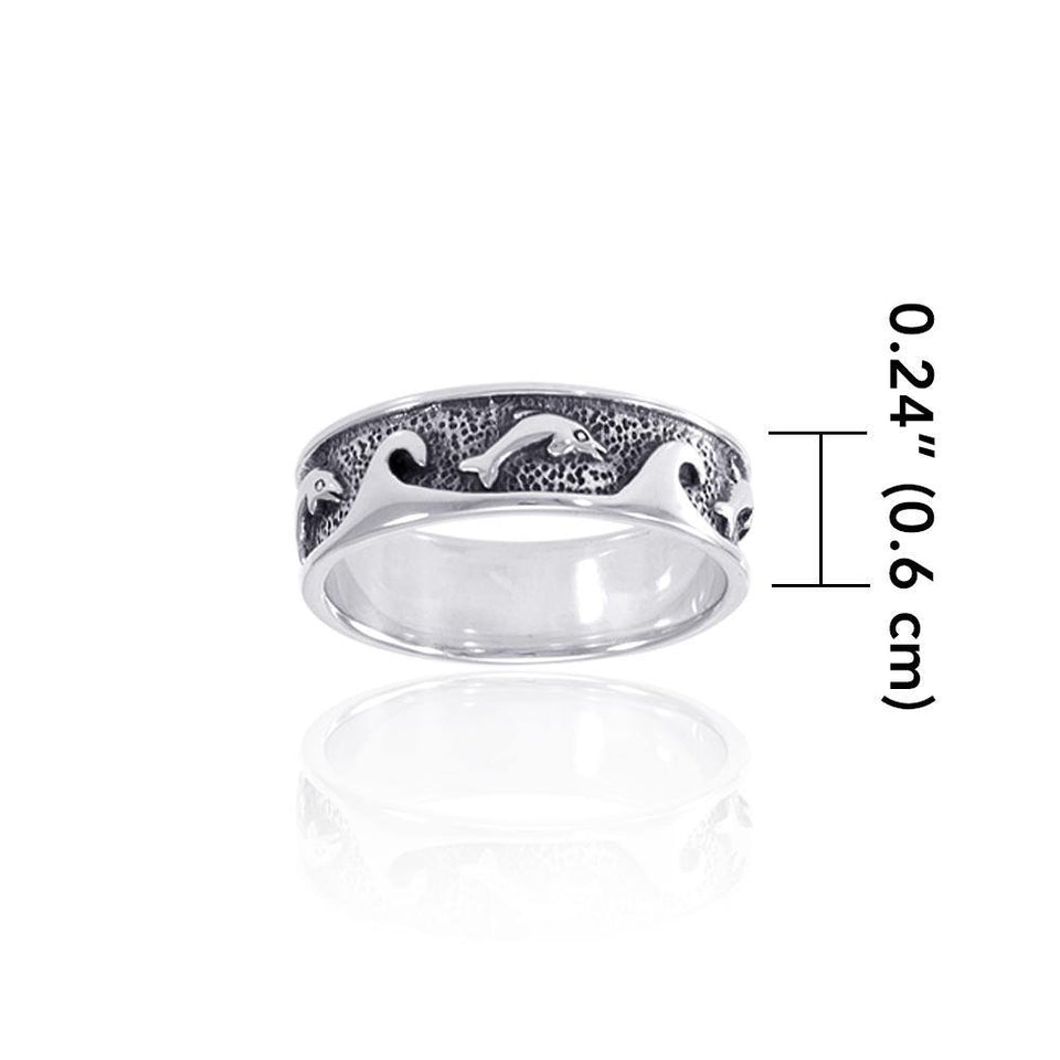 I love the ocean waves crashing on my feet ~ Sterling Silver Ring TR219