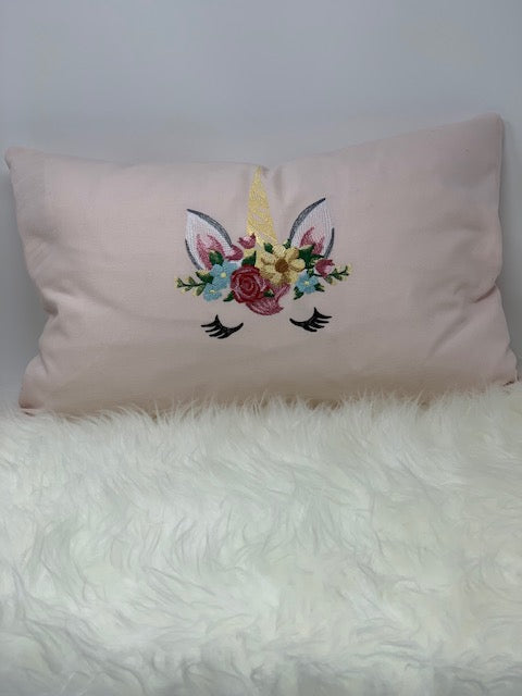 Embroidered pillow - Unicorn