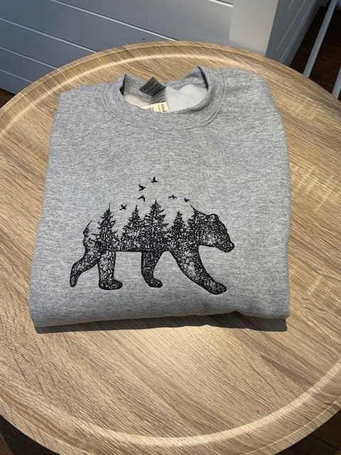 Crew neck Sweatshirt - Embroidered bear