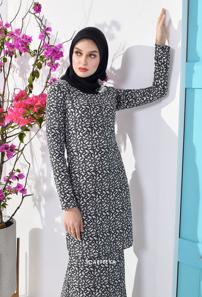 NOELLE MIDNIGHT BLACK KURUNG MODEN