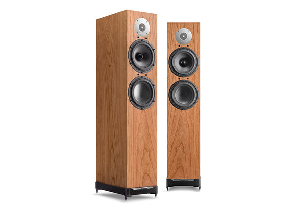 SPENDOR D7 stereo hi fi system, just add hi fi separates or a hifi amplifier