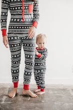 Load image into Gallery viewer, L'oved Baby Holiday Long Sleeve PJ and Cap Set - Toddlers'