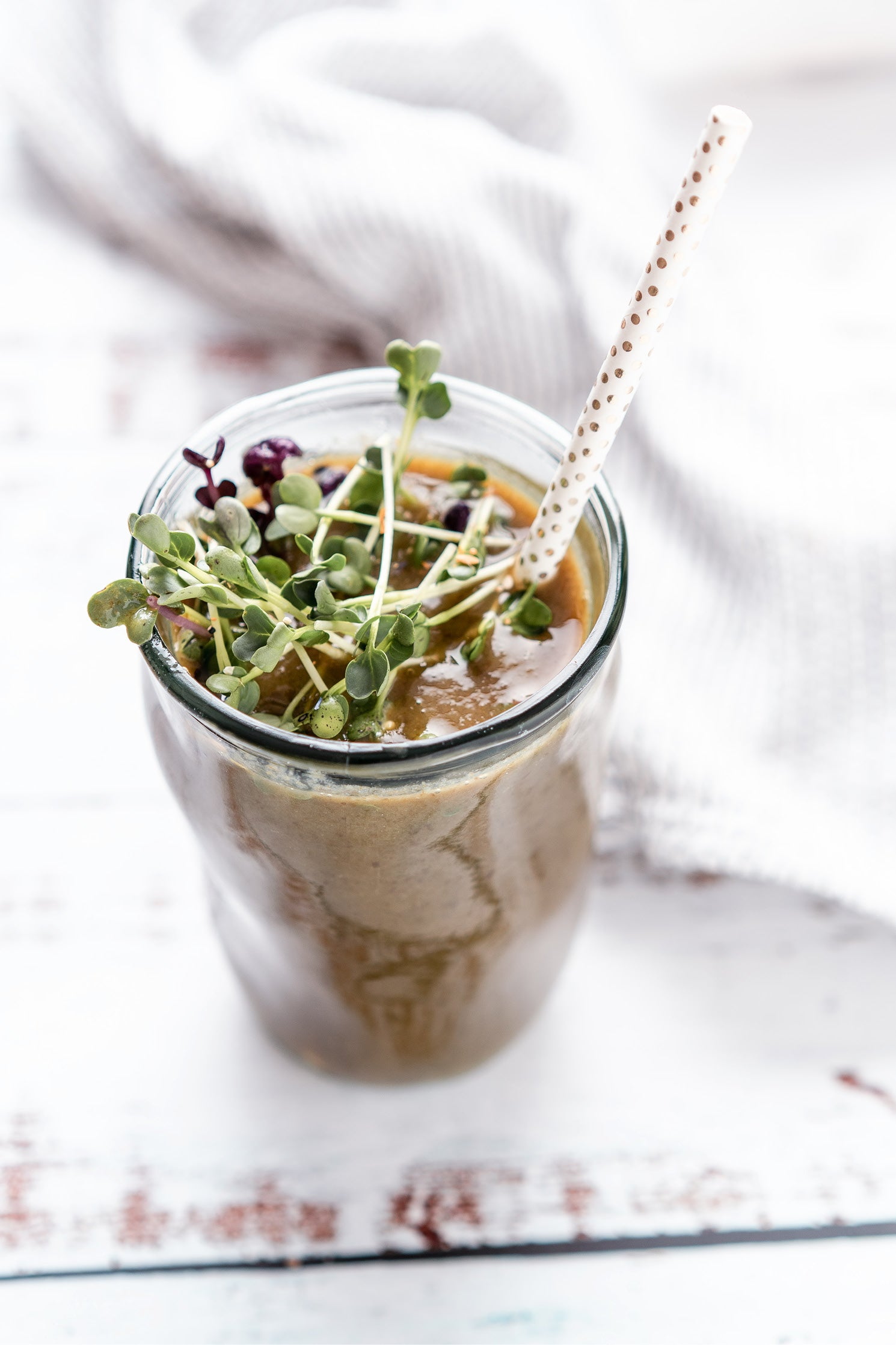 Green Smoothie - grüner Smoothie - mit Microgreens & Ingwer