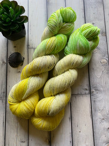 pale speckled yarn