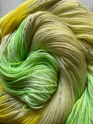 green yarn with speckles
