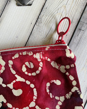 zipper bag with ring pull