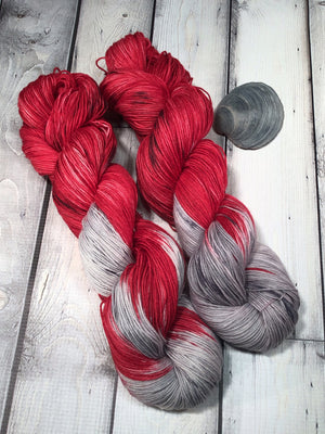red and gray yarn