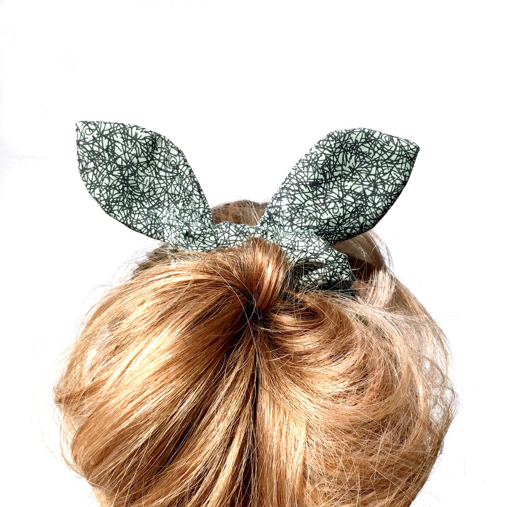 Hairtie | Green Circle Bunny