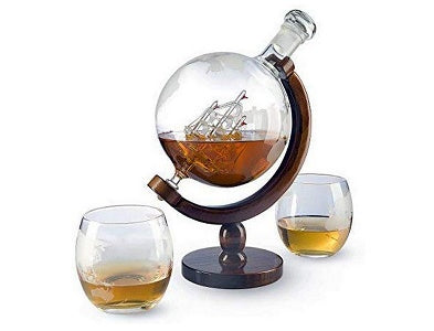 The Wine Savant World Decanter With 2 Glasses
