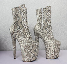 Load image into Gallery viewer, Snake Skin Textured Boots