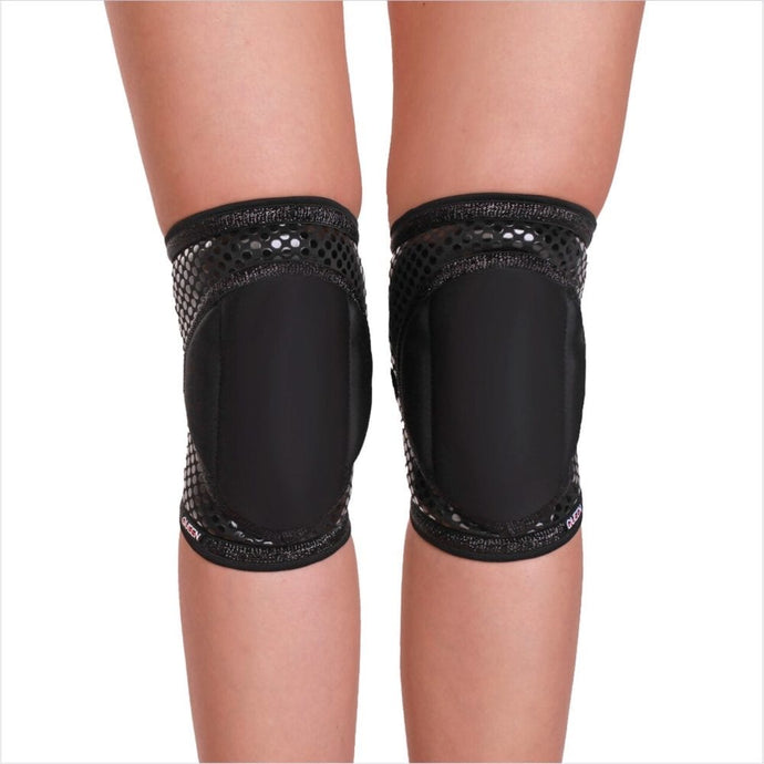 Queen Wear- Sleek Black Grip Knee Pads