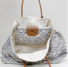 Load image into Gallery viewer, Shannon Weekender Bag