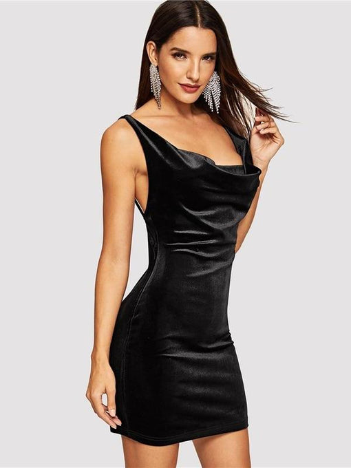 Meadow Black Ruched Solid Bodycon Dress