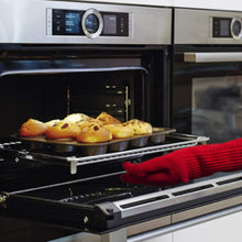 Load image into Gallery viewer, 2 Extra Thick Oven Gloves - Red Heat Resistant Amazing Oven Mitt / Pot Holders