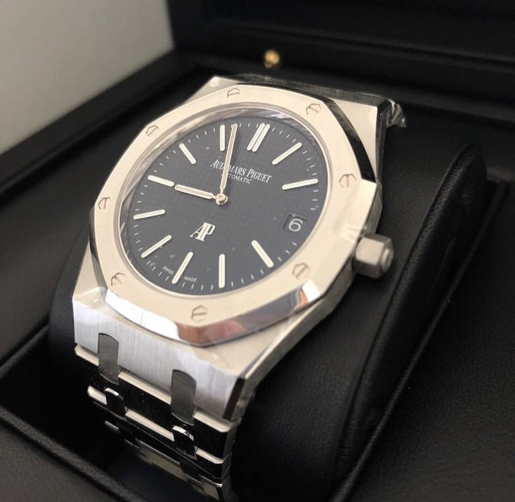 Audemars Piguet - Royal Oak.  Self Winding -Blue (SPECIAL BOX INCLUDED)