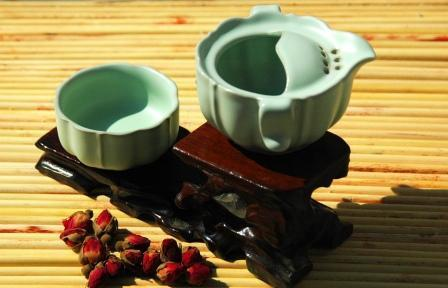 Green Pond, Tea Set - Cup and Pot.